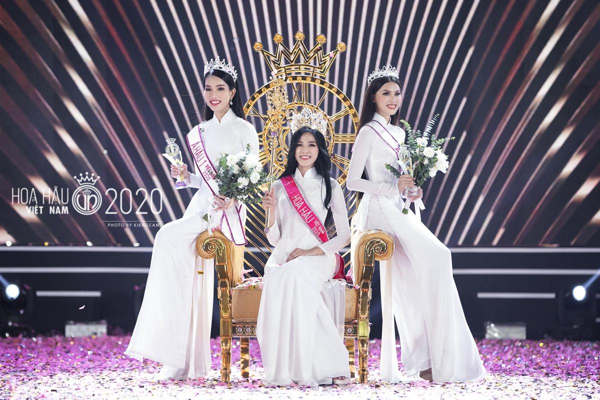 Qui Phúc là đơn vị chế tác ghế đăng quang và quyền trượng của cuộc thi Hoa hậu Việt Nam 2020.