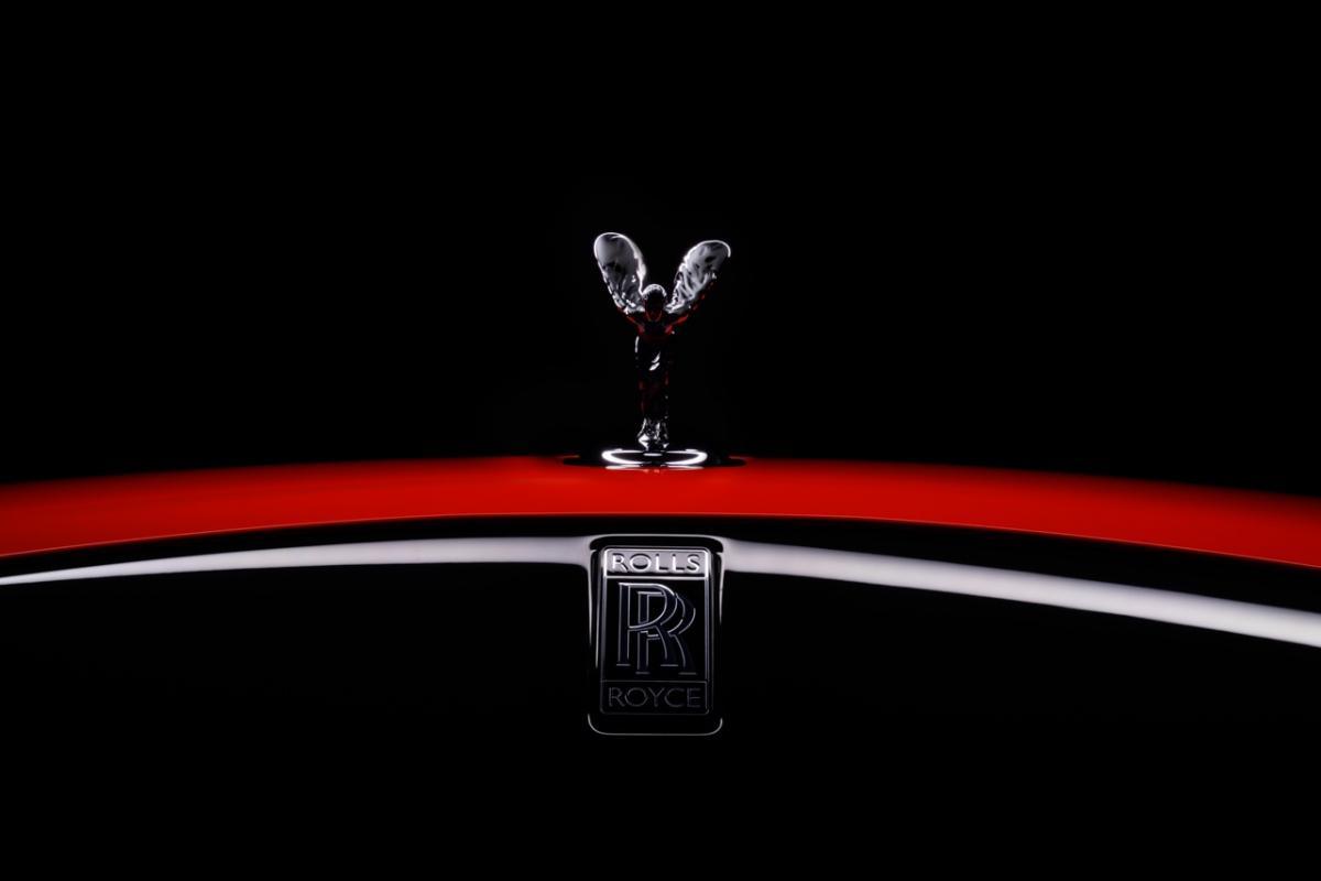 Đối với mỗi dòng Wraith, Dawn, Cullinan, thương hiệu Rolls-Royce sẽ sản xuất thêm 3 chiếc để bán ra các thị trường khác.