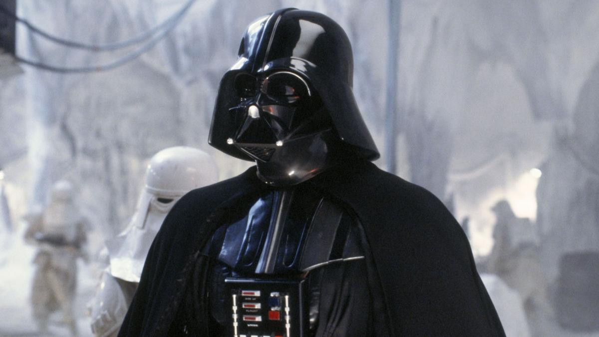 David Prowse nổi tiếng với vai diễn Darth Vader trong bộ phim Star Wars. Nguồn: Sky