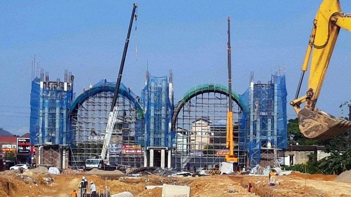 Thi công xây dựng hạ tầng kỹ thuật tại dự án Danko City. (Ảnh: Báo Xây dựng)