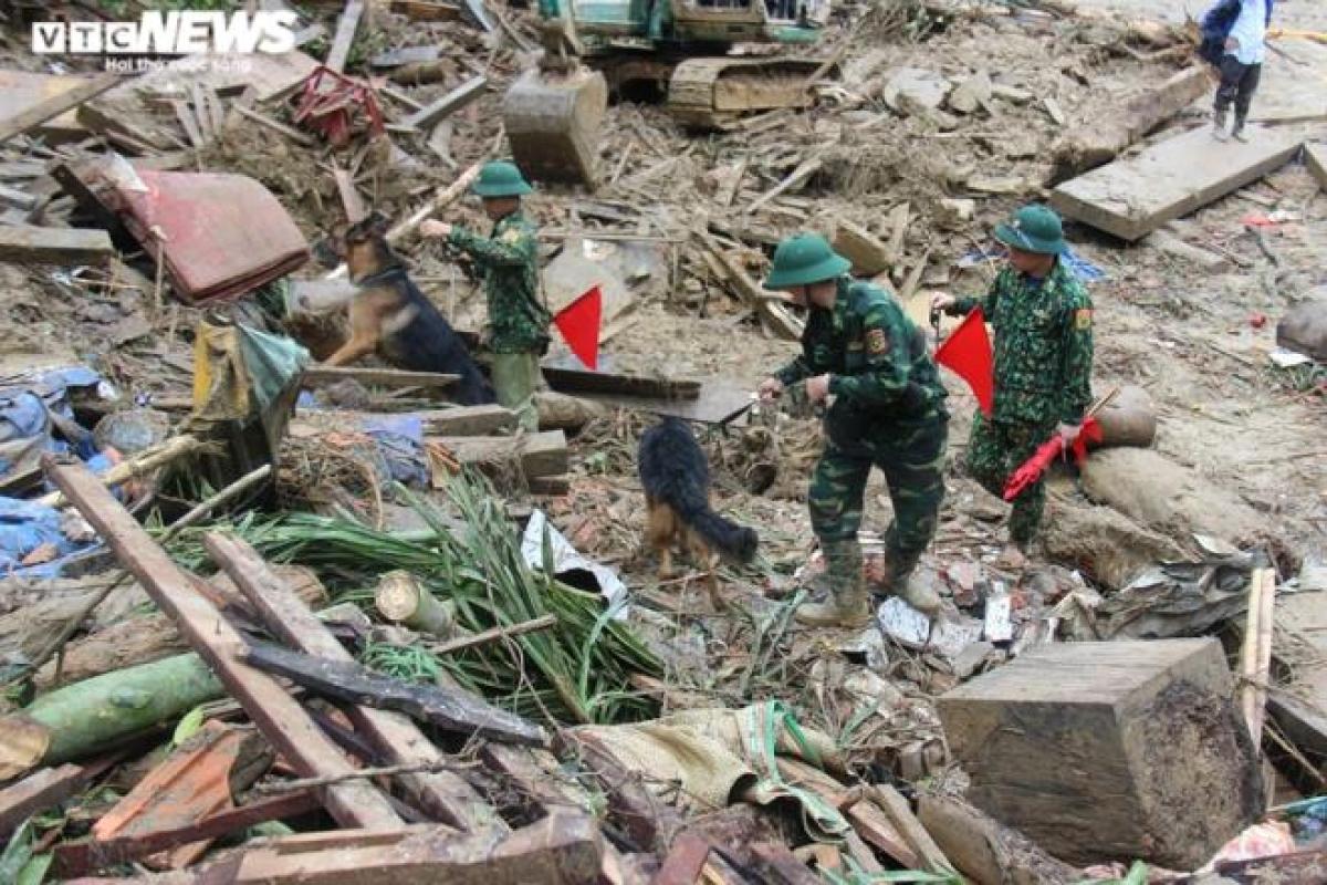 Đến thời điểm hiện tại, 14 người vẫn còn mất tích sau vụ sạt lở ở Trà Leng.