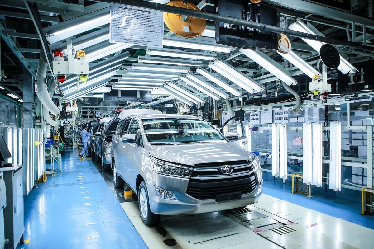 Theo ước tính của Bộ Tài chính, trong 6 tháng giảm 50% phí trước bạ cho ô tô lắp ráp trong nước, thu ngân sách nhà nước giảm khoảng 3.700 tỷ đồng. (Ảnh minh họa)