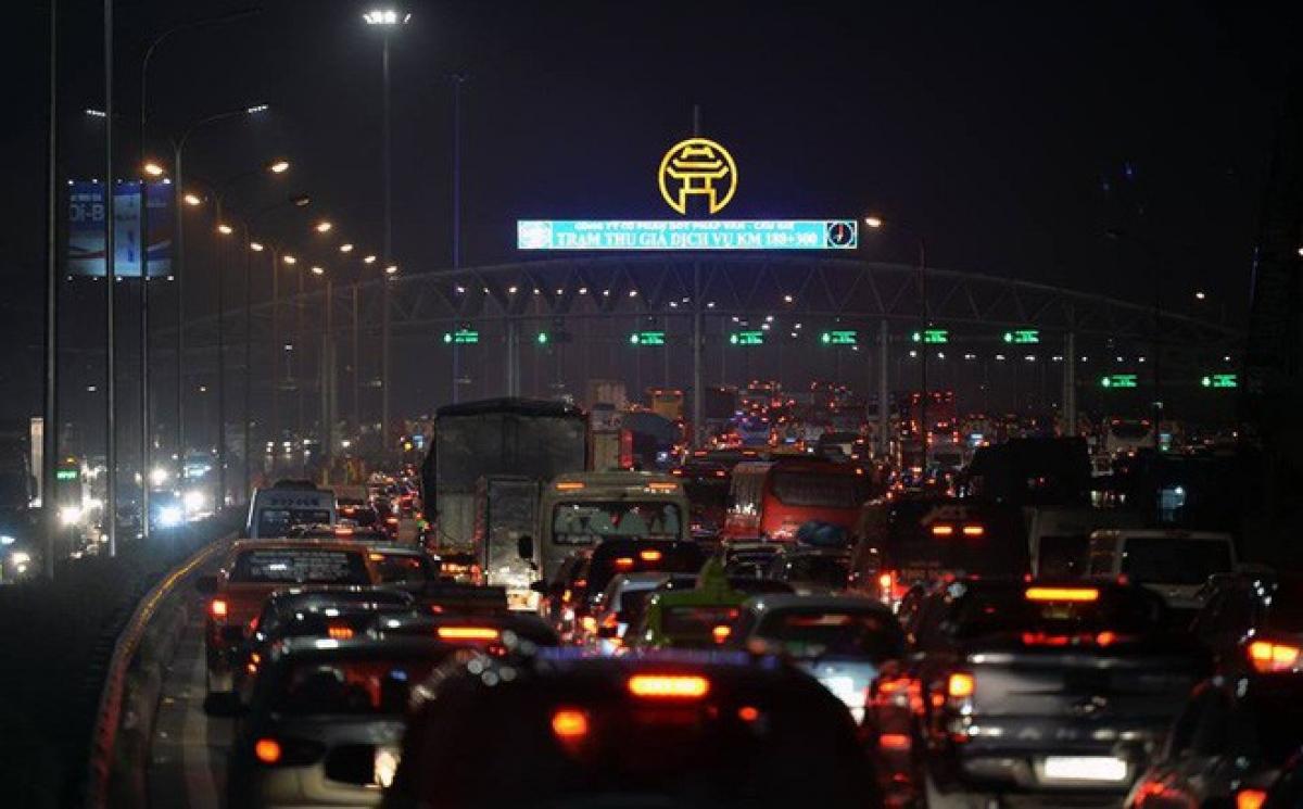 Cao tốc Pháp Vân- Cầu Giẽ thường xuyên ùn tắc vào dịp cuối tuần, ngày lễ, Tết.