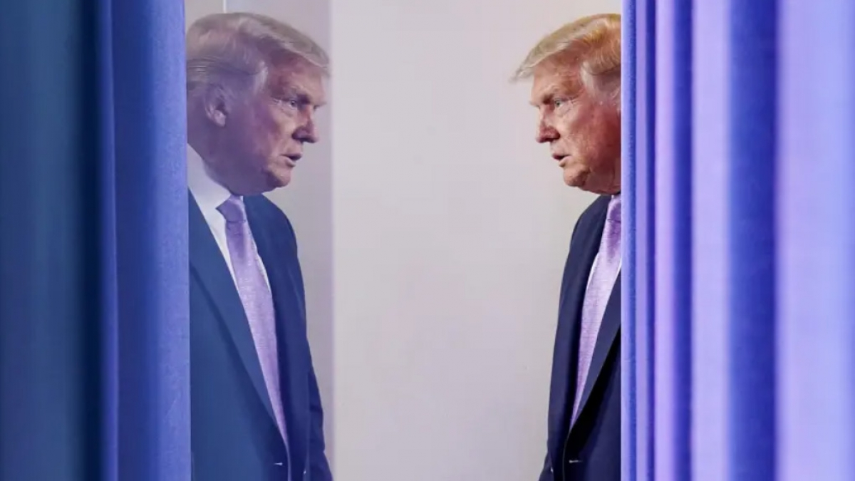 Trong một cuộc họp với các cố vấn an ninh quốc gia, Tổng thống Trymp đã đề nghị đánh giá về các lựa chọn tấn công quân sự tiềm tàng nhằm vào các cơ sở hạt nhân của Iran.Ảnh: Reuters