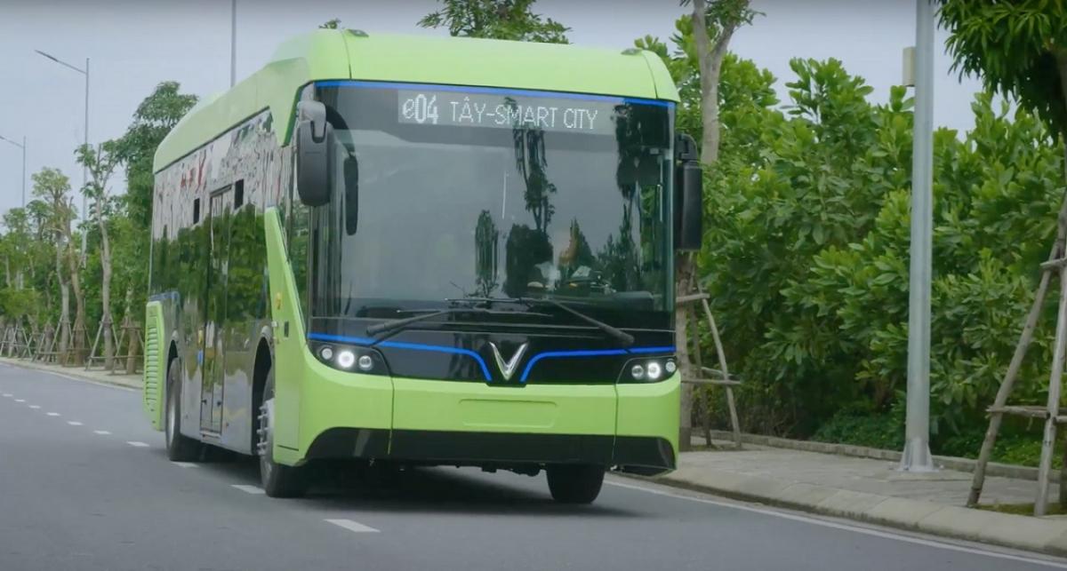 Tuyến bus xanh hợp cùng tuyến metro số 5,6,7 chạy ngang Đại đô thị trong tương lai.