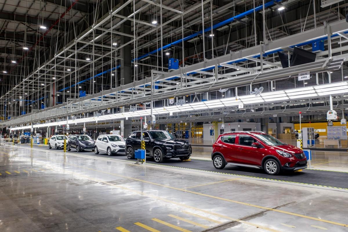 Hiện cả nước có hơn 40 doanh nghiệp sản xuất,lắp ráp ô tô,đóng góp lớn cho ngân sách, tạo ra nhiều việc làm.