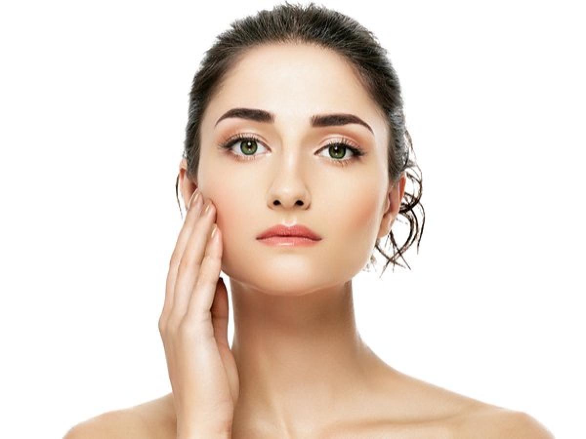 Không dưỡng ẩm cho da: Dưỡng ẩm da là một công đoạn không thể bỏ qua nhằm ngăn ngừa tình trạng khô ráp da do thời tiết lạnh giá. Bạn nên sử dụng kem dưỡng ẩm và body lotion để bảo vệ làn da khi gió mùa về./.
