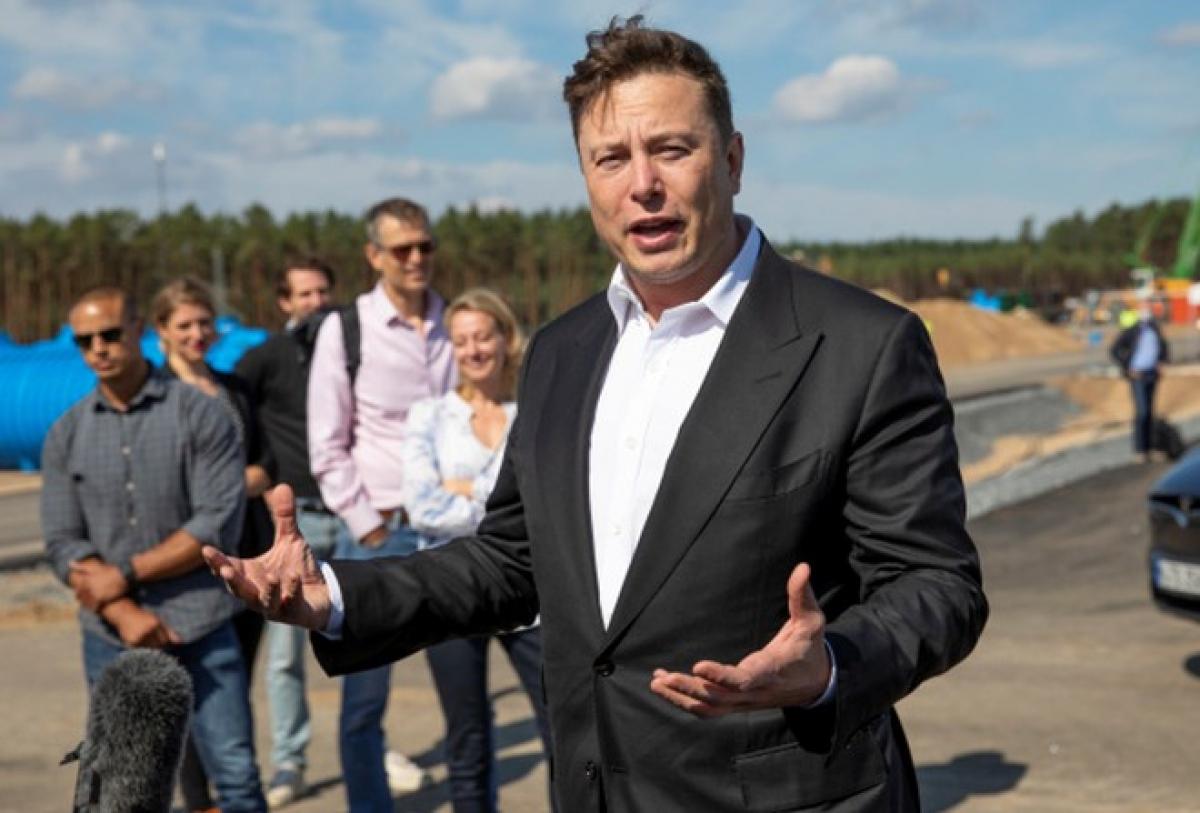 """CEO Elon Musk từng suýt """"bán rẻ"""" Tesla cho Apple. (Ảnh: AFP)"""