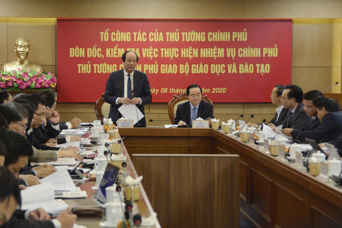 Bộ trưởng, Chủ nhiệm văn phòng Chính phủ Mai Tiến Dũng phát biểu tại buổi làm việc.