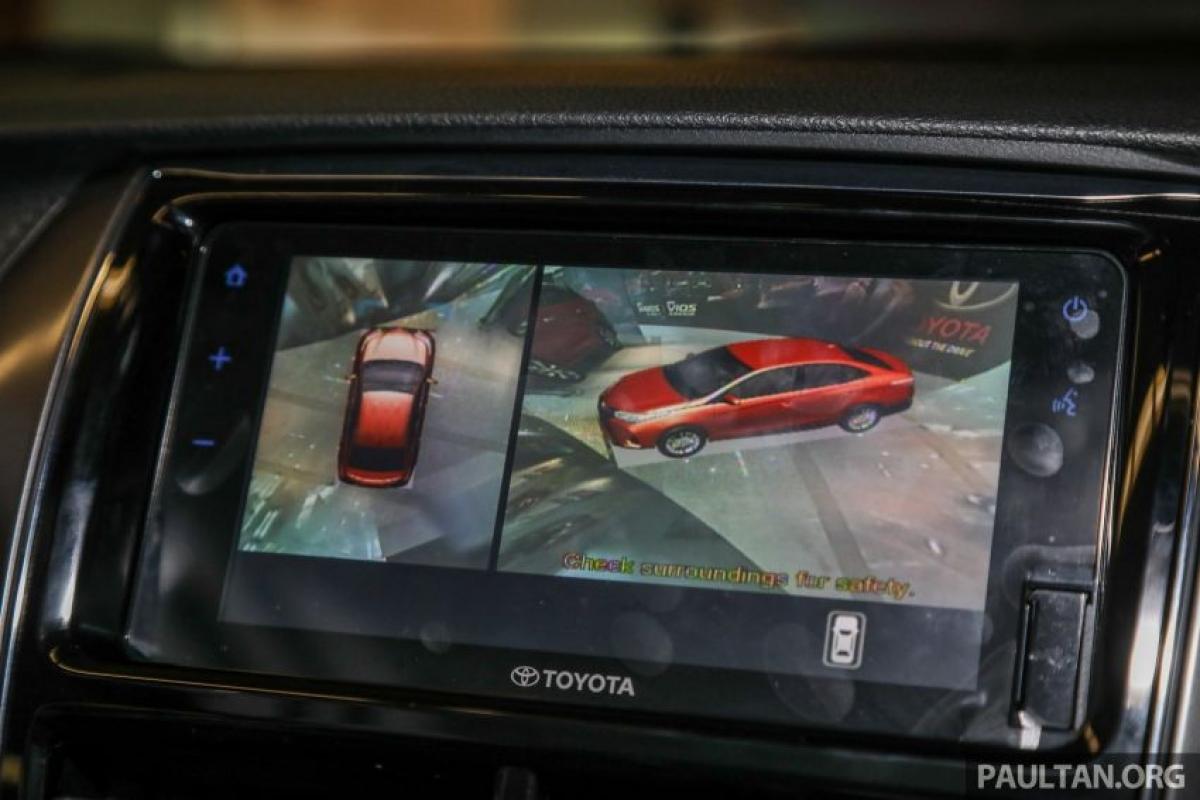 Nâng cấp đáng chú ý nhất về công nghệ là Vios E và G có thêm hệ thống an toàn chủ động Toyota Safety Sense với chức năng phòng ngừa va chạm, phanh tự động, cảnh báo lệch làn.
