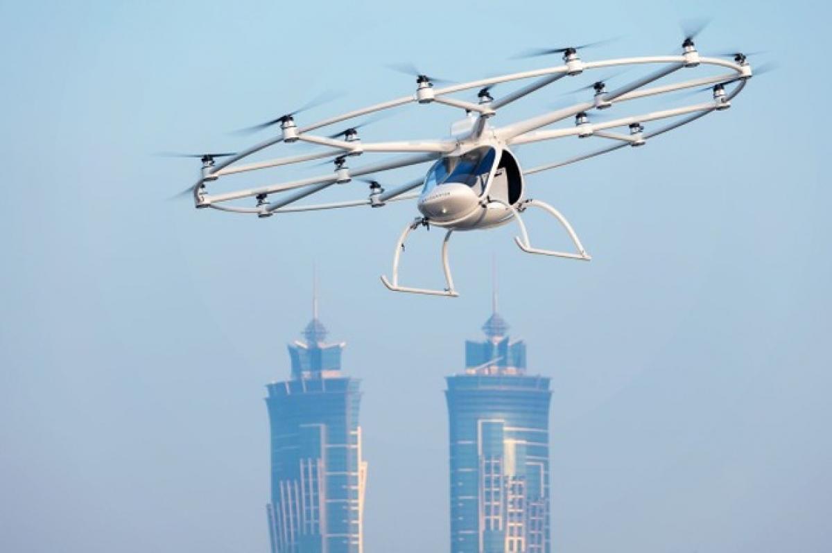 Chuyến bay thử nghiệm ở Singapore năm ngoái - Ảnh: Volocopter