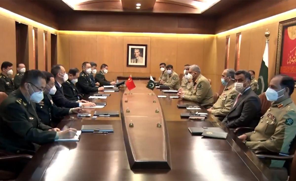 Bộ trưởng Quốc phòng Trung Quốc Ngụy Phượng Hòa có các cuộc gặp với quan chức quân đội Pakistan ở Rawalpindi.