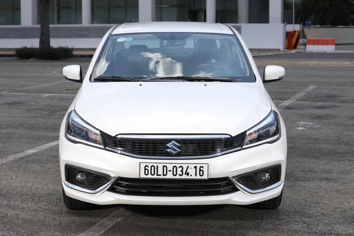 Suzuki Ciaz mới nhập khẩu nguyên chiếc, mẫu sedan lý tưởng cho doanh nhân khác biệt so với số đông.