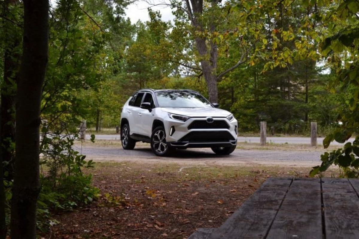 Toyota vẫn đứng trên bục vinh quang thêm một năm nữa, vươn lên từ vị trí thứ 3. Năm nay qua năm khác nhà sản xuất xe hơi lớn nhất Nhật Bản vẫn đứng đầu danh sách, ấn tượng với dòng sản phẩm được thử nghiệm lớn nhất trong số những thương hiệu. Đáng ngạc nhiên là Prius và Corolla dẫn đầu thương hiệu với điểm số lần lượt là 93 và 90.
