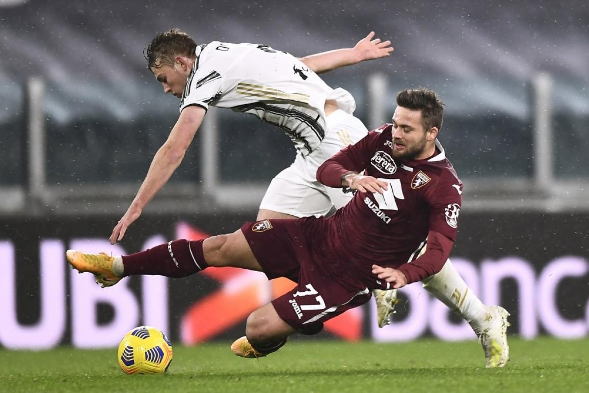 Torino cho thấy sự khó chịu ngay từ những phút đầu.