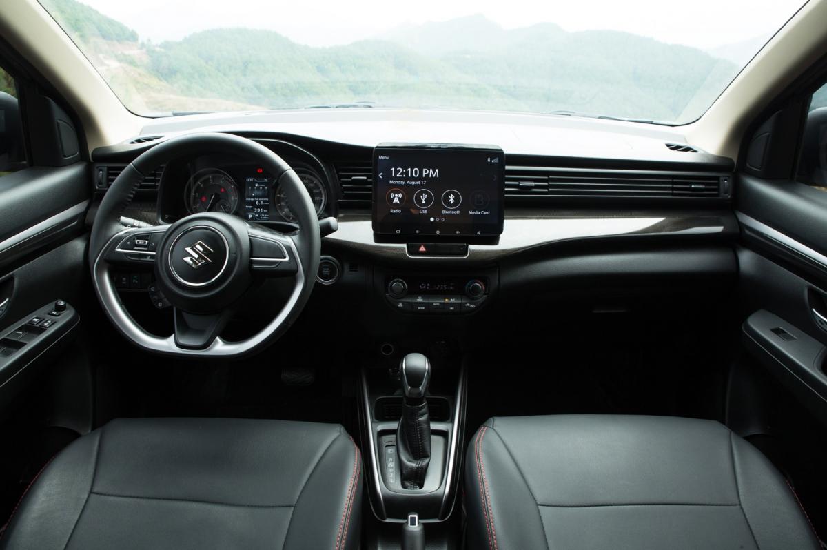 """Suzuki XL7 có nhiều ưu thế khác ngoài giá bán """"phải chăng""""."""