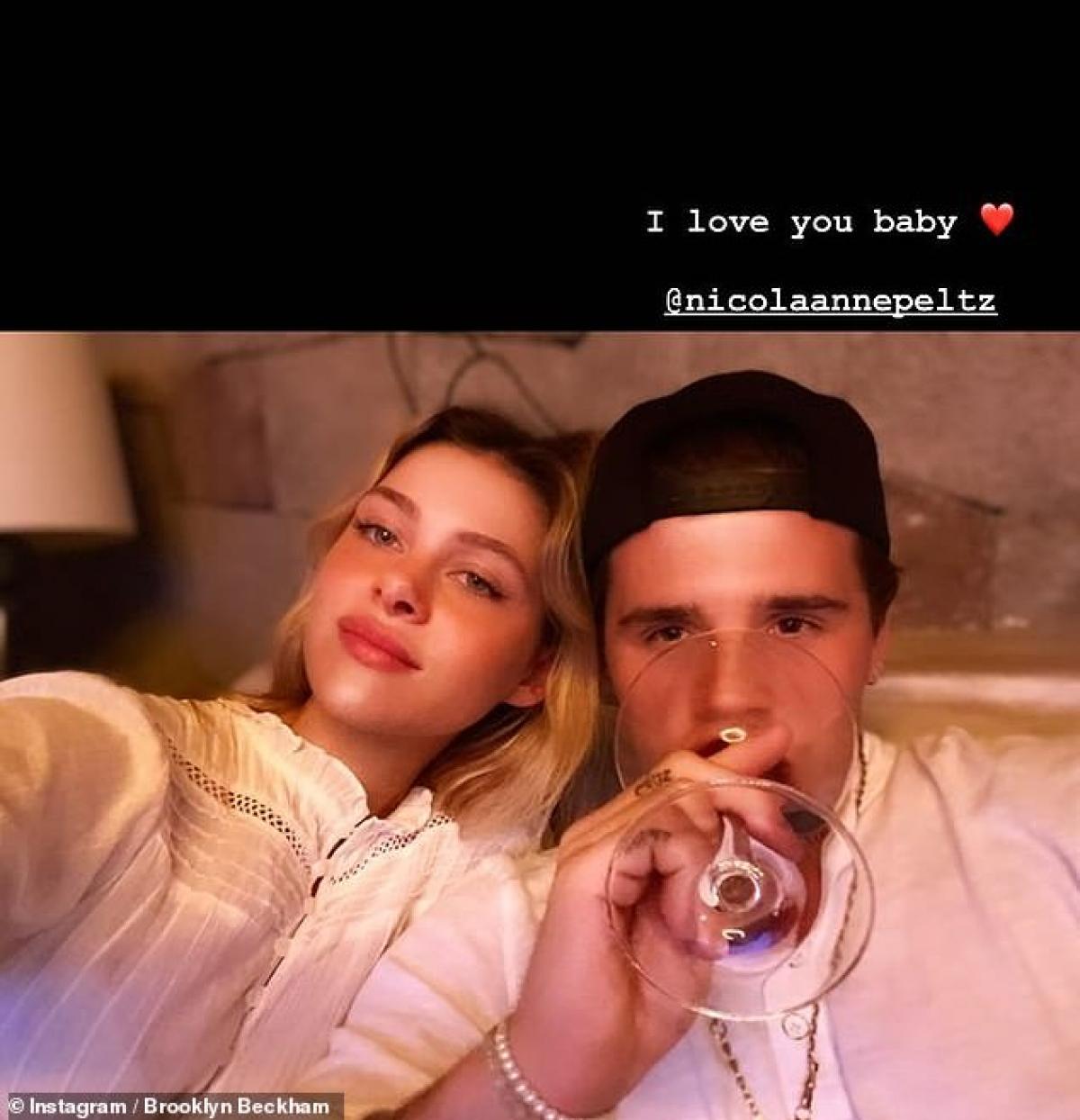 Brooklyn Beckham và bạn gái.