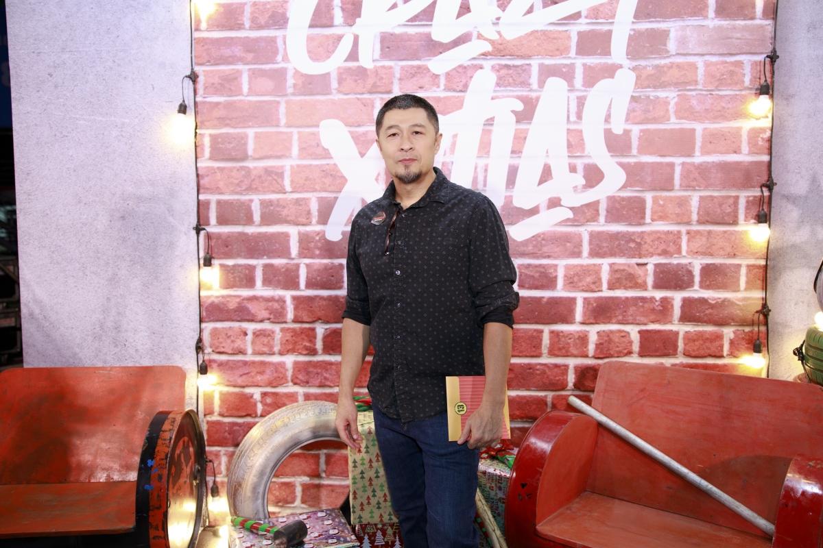 Đạo diễn Charlie Nguyễn đến chúc mừng Thu Trang - Tiến Luật.