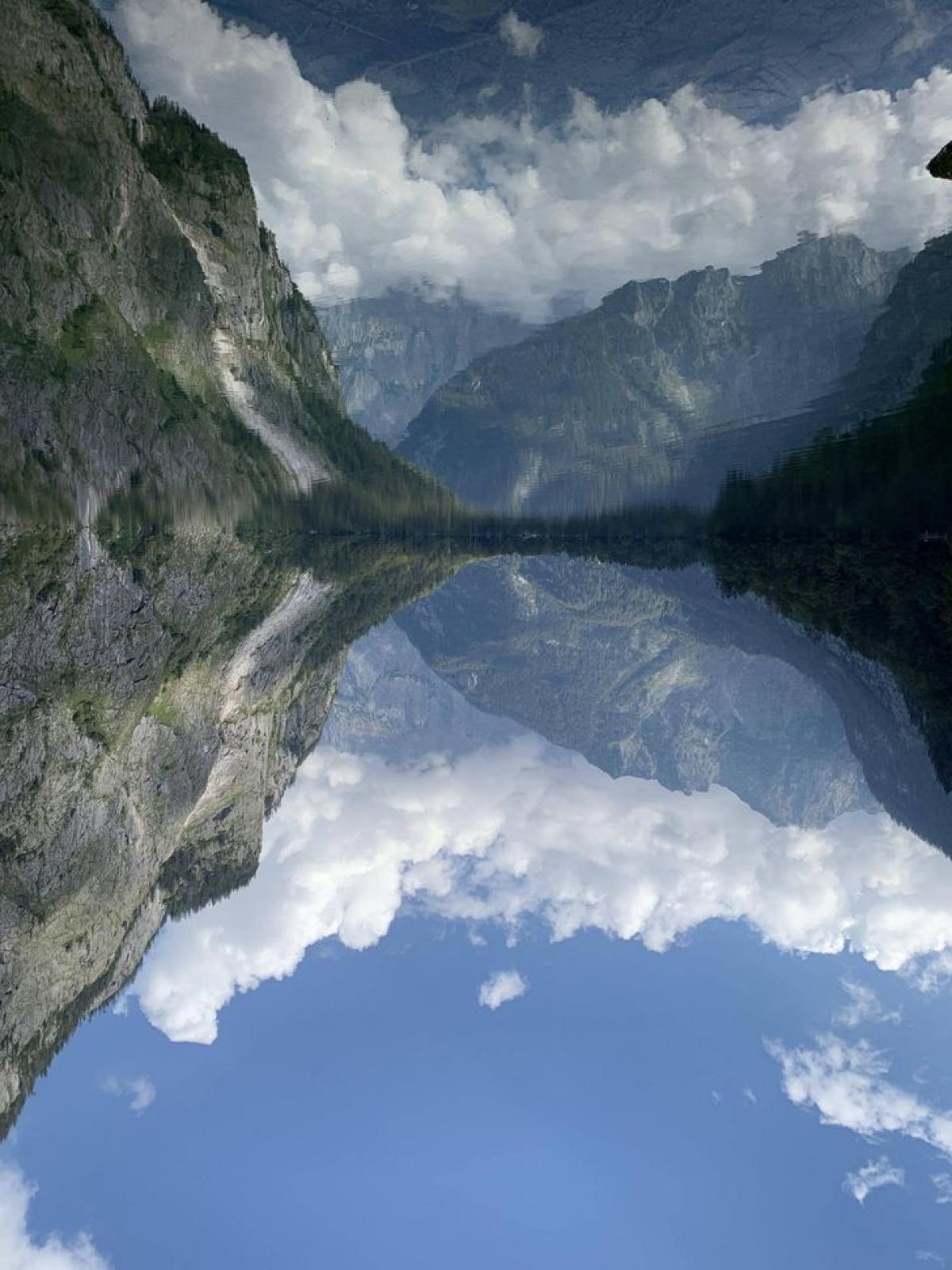 Không khí và dòng sông trong vắt tạo nên bức ảnh tuyệt đẹp ở vùngObersee, Berchtesgaden.