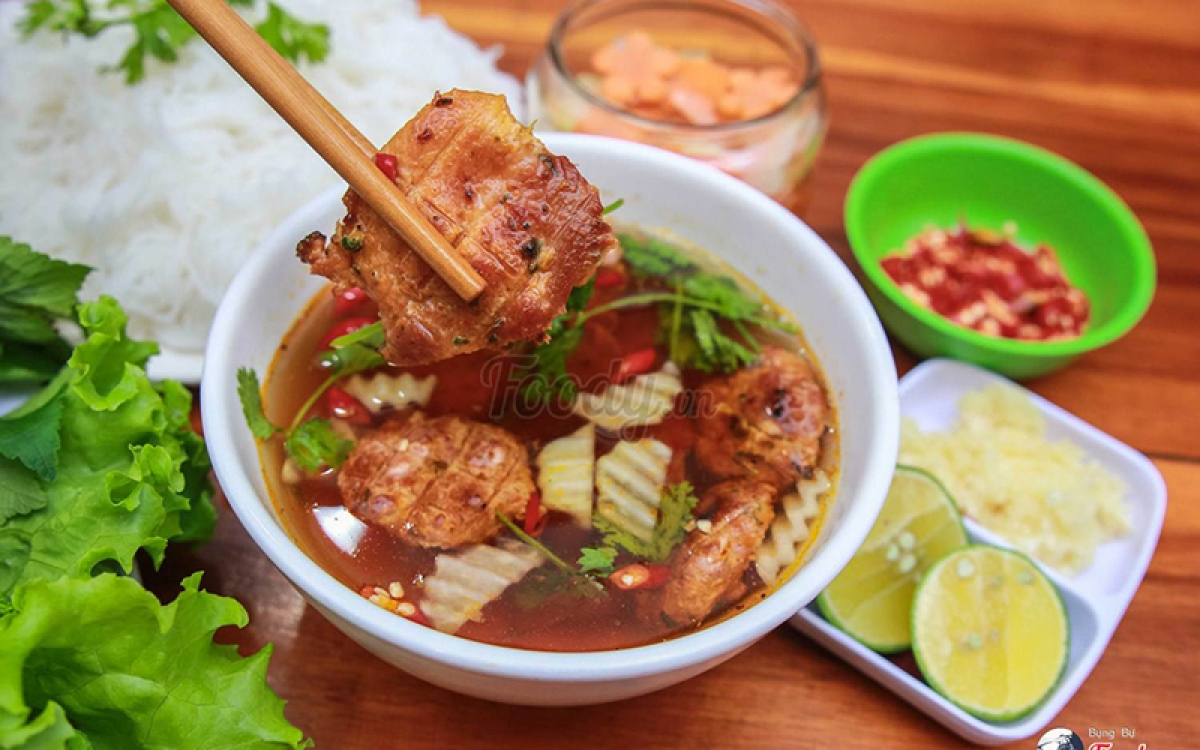 Bun Cha is one of the world's 25 delicious summer foods listed by the US cable news channel CNN.