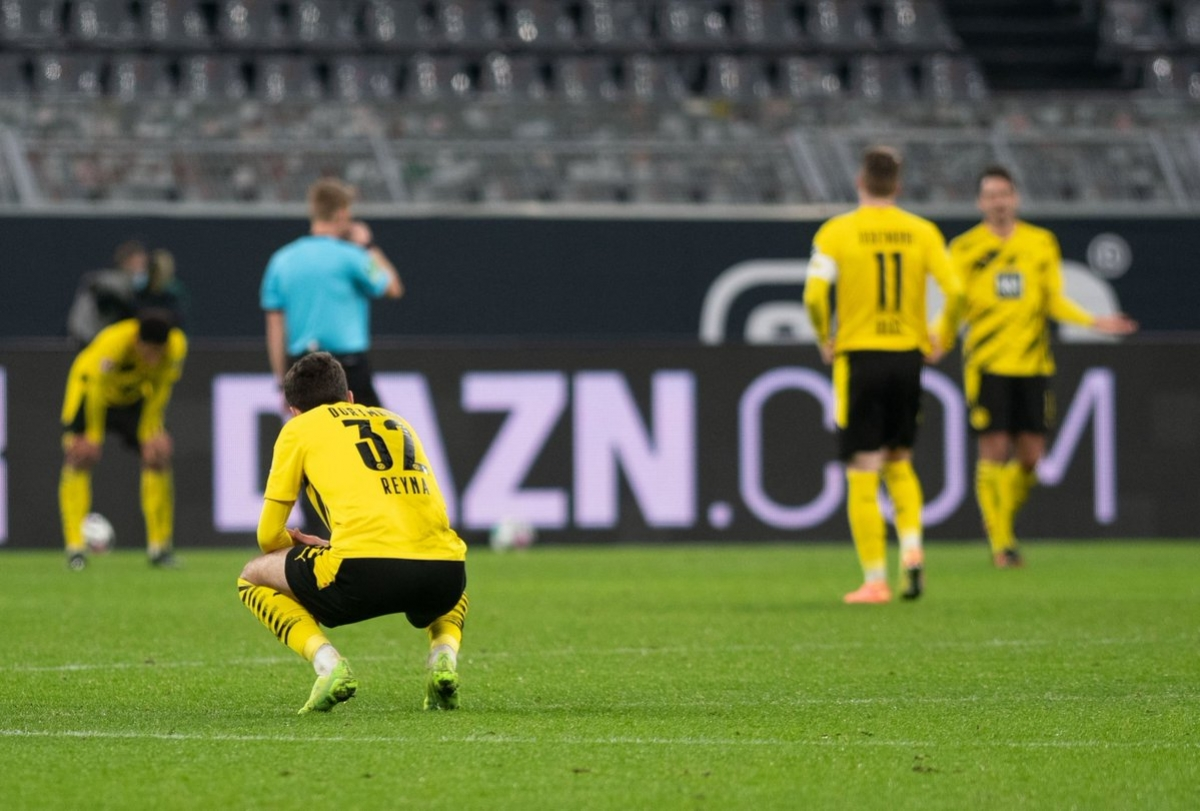 Thất thủ 1-5 trước Stuttgart, Dortmund đã có trận thua sân nhà đậm nhất kể từ sau thất bại tương tự trước Bayern năm 2009.