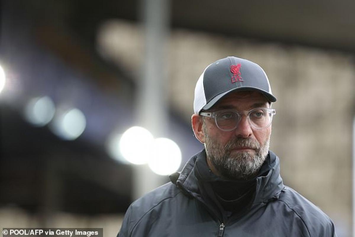HLV Jurgen Klopp cho biết đầu gối của Virgil Van Dijk không còn bình thường như trước nhưng đang hồi phục rất nhanh.