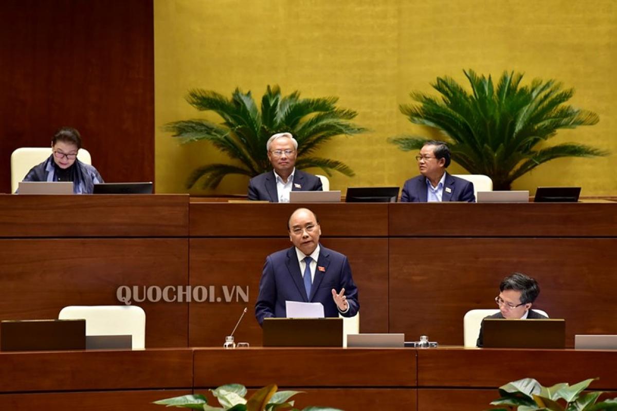 Thủ tướng Nguyễn Xuân Phúctrả lời chất vấn, thảo luận trước Quốc hội.