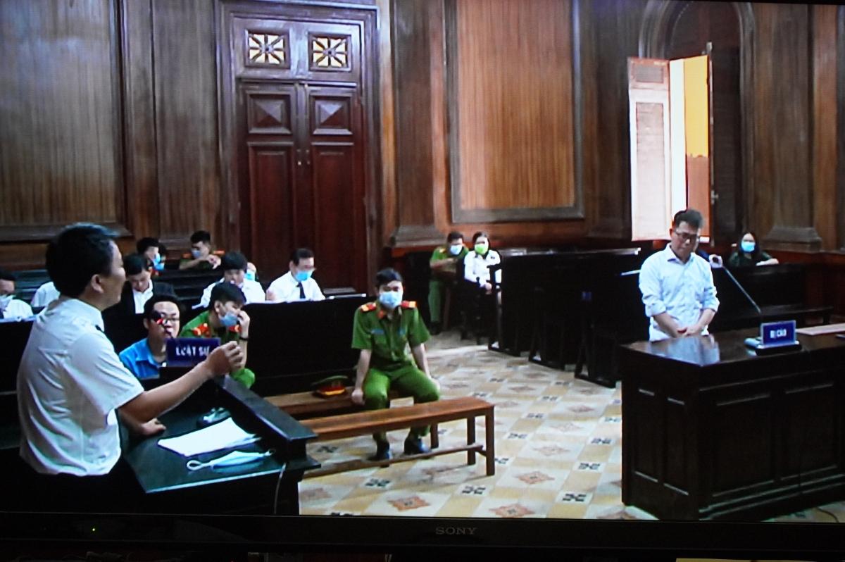 Trước đó, trong phần xét hỏi bị cáo Nguyễn Hải Nam và Lâm Hoàng Tùng liên tục phủ nhận cáo buộc