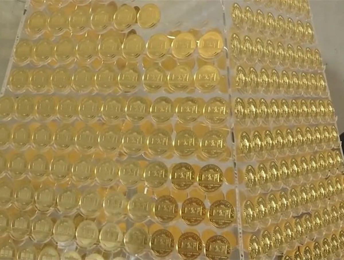 Các đồng xu vàng này có mệnh giá 1 ounce.