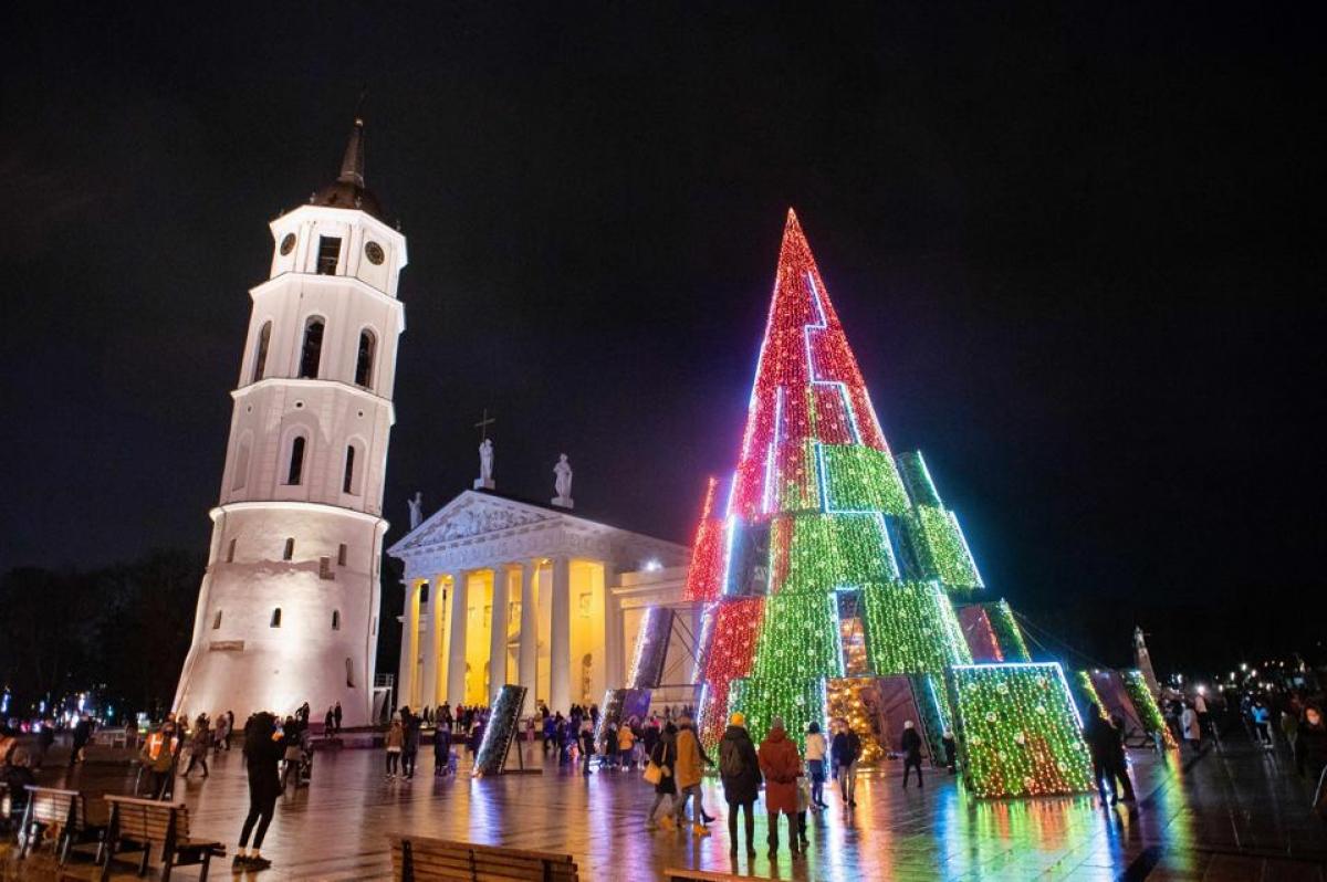 Những mảng màu lấp lánh ở Vilnius, Lithuania.