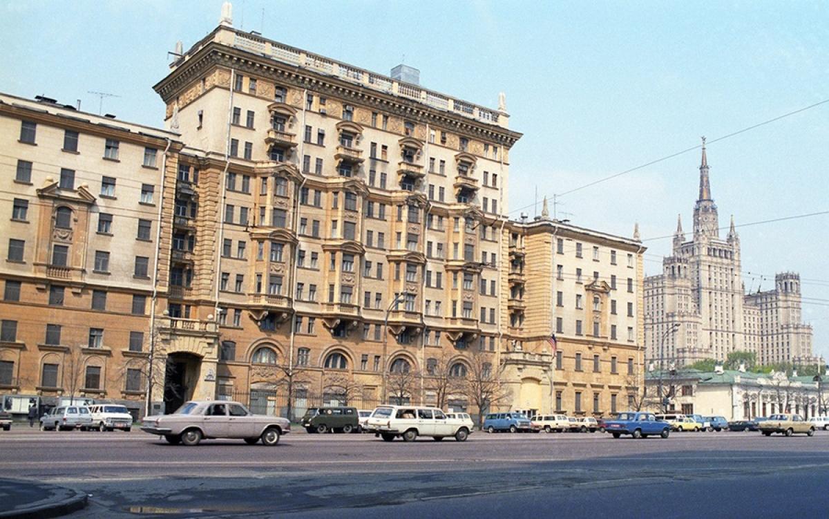 Đại sứ quán Mỹ tại Moscow thời Liên Xô. Ảnh: Tass.