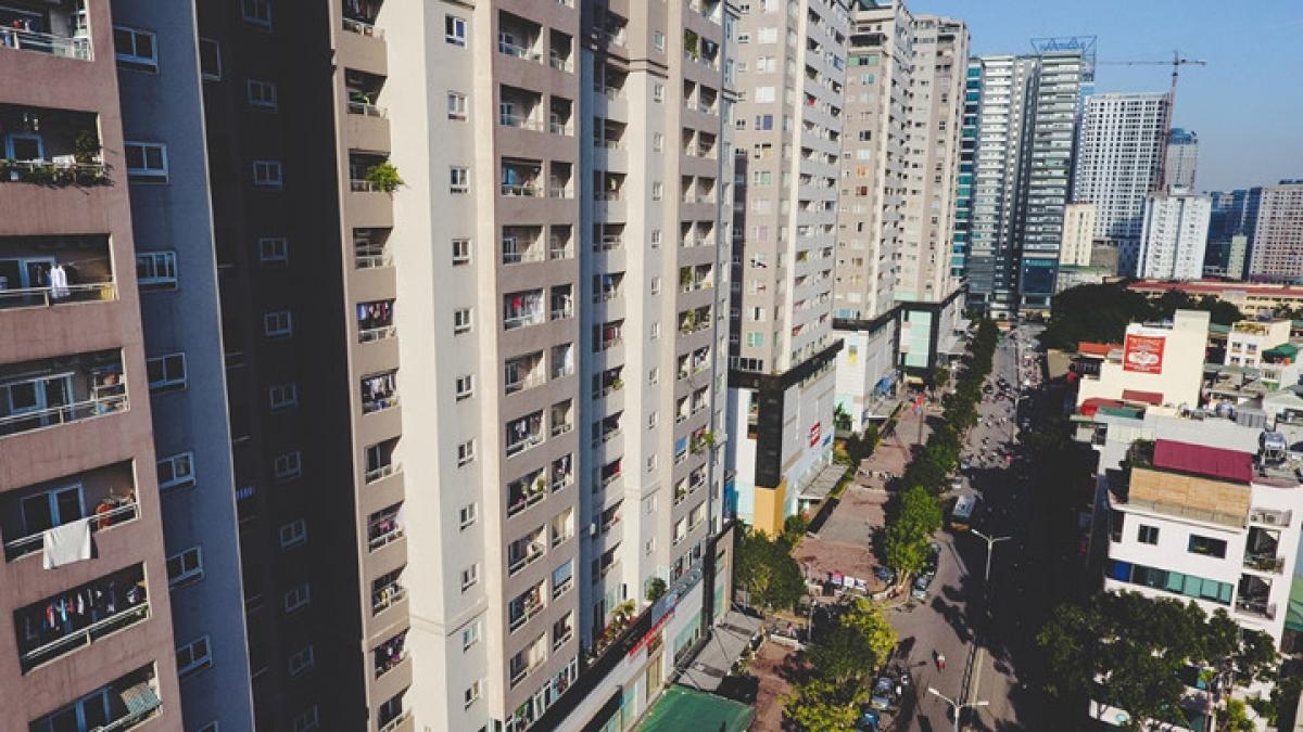 Hà Nội có rất nhiều chung cư cao tầng, điều này gây áp lực lớn với việc quản lý cư dân.