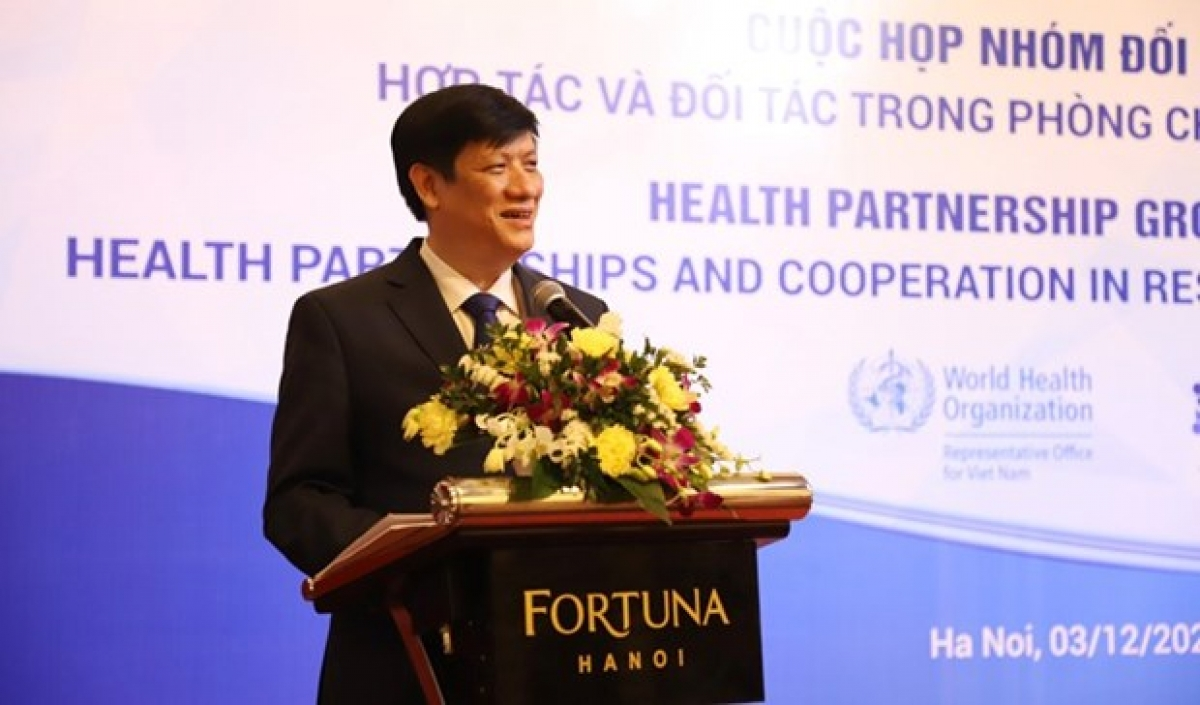 Minister of Health Nguyen Thanh Long speaks at the meeting (Photo: moh.gov.vn)