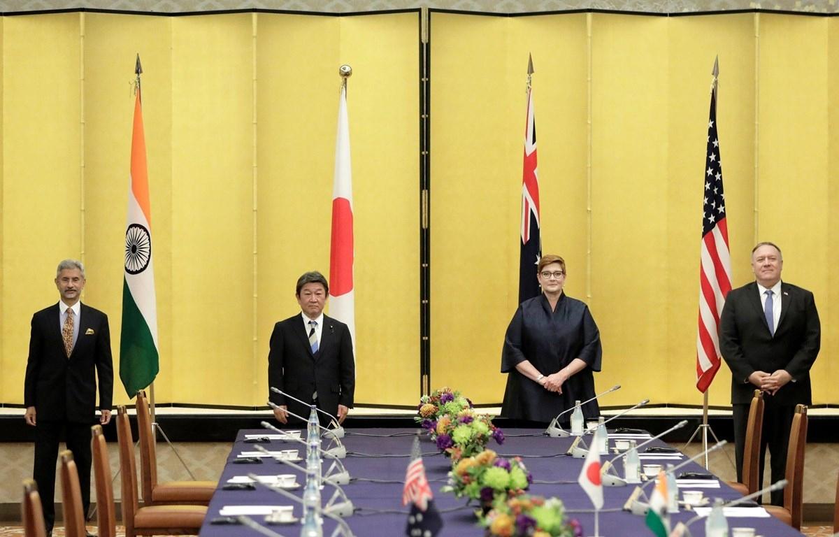 Ngoại trưởng Ấn Độ, Nhật Bản, Australia và Mỹ trong phiên họp tại Tokyo ngày 6/10/2020. Nguồn: Reuters