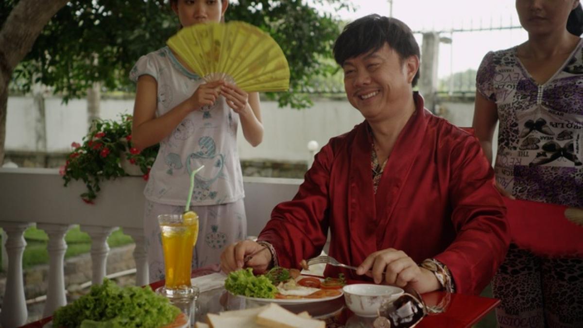 """Cố nghệ sĩ Chí Tài vào vai """"Tư Phi""""trongbộ phim """"Trúng số""""."""