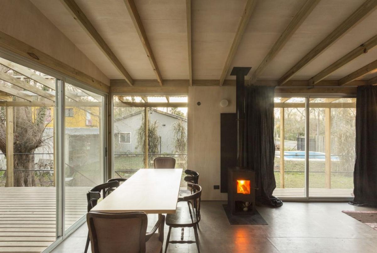 Phòng ăn được thiết kế bao quanh bởi cửa kính sẽ đón nhận được nhiều ánh sáng nhất.