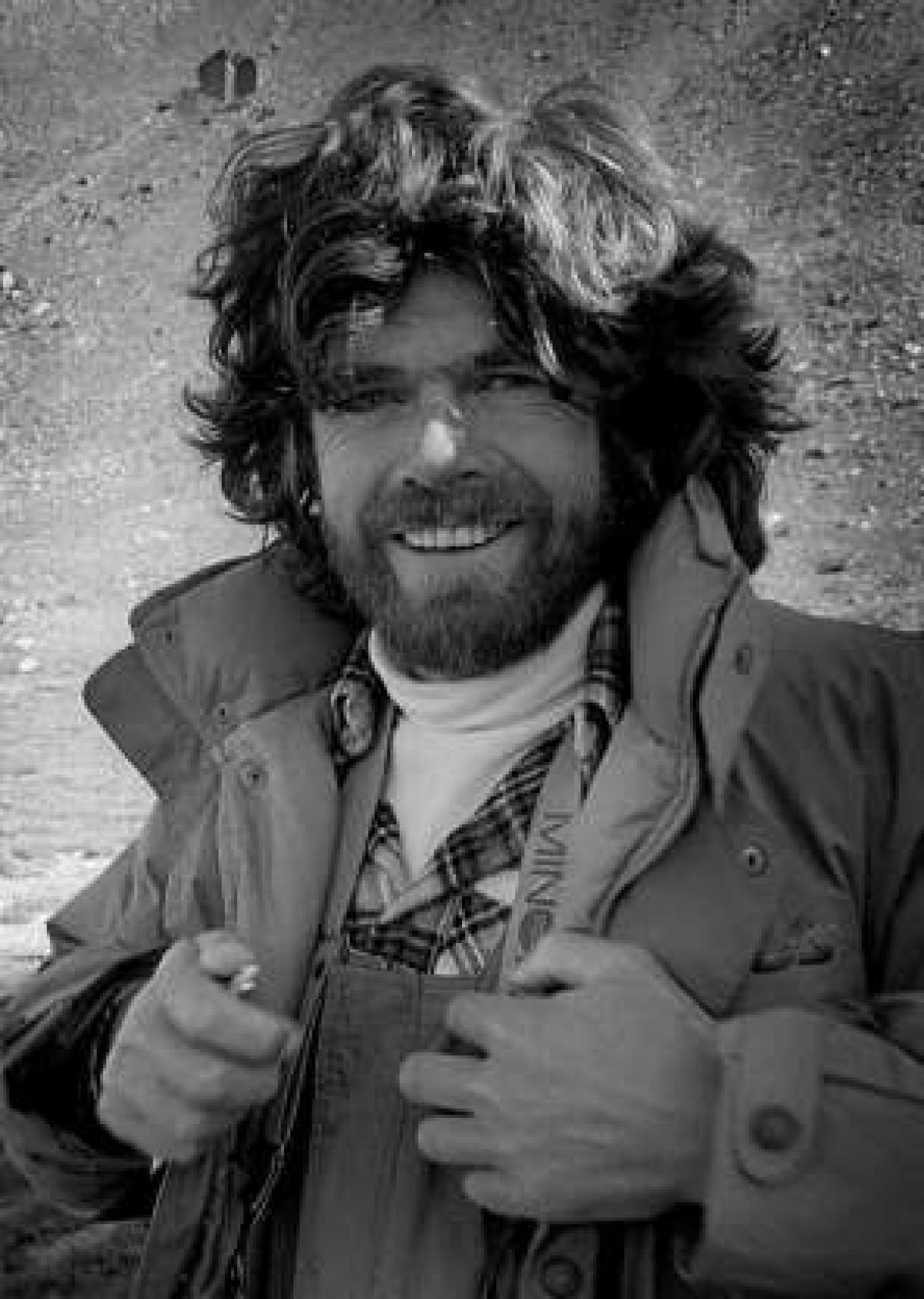 Nhà leo núi người Italy Reinhold Messner là người đàn ông đầu tiên leo lên đỉnh Everest mà không cần bổ sung oxy, một kỳ tích tưởng như không thể xảy ra vào năm 1978. Ông đã leo lên đỉnh cùng một người Áo tên là Peter Habeler.