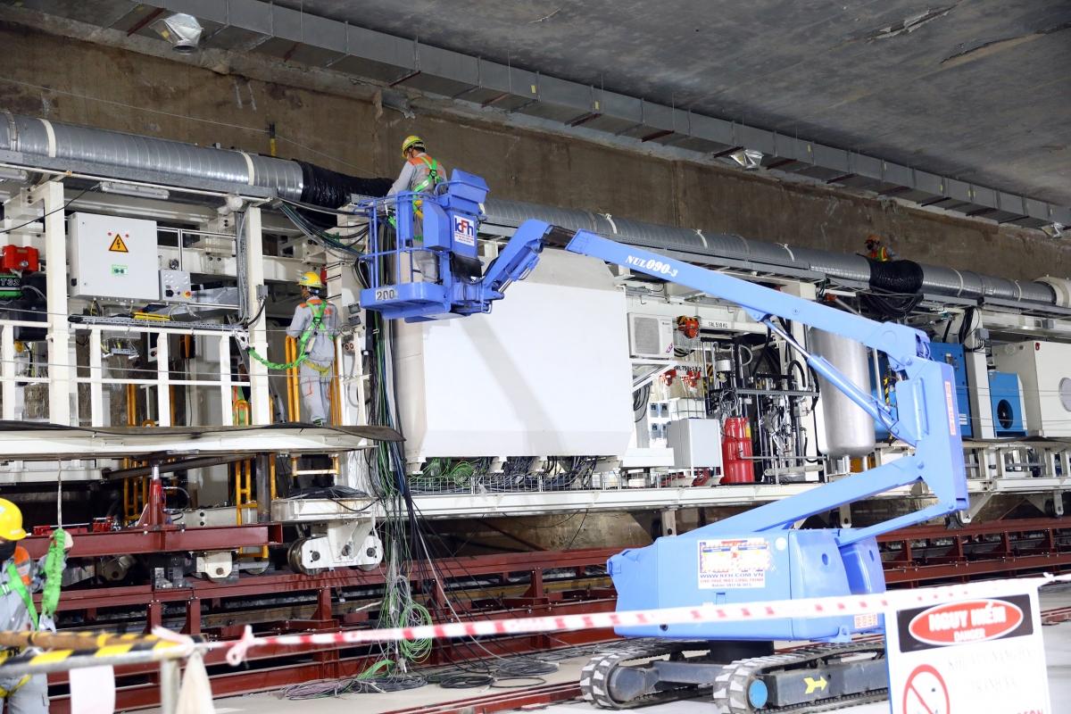 Công tác lắp đặt máy đào hầm đầu tiên (gọi tắt là TBM) cho tuyến đường sắt đô thị (metro) đoạn Nhổn-ga Hà Nội sẽ hoàn thành vào giữa tháng 1/2021, sau đó kiểm tra và chạy thử trong khoảng 2 tuần để kết thúc vào cuối tháng 1/2021.