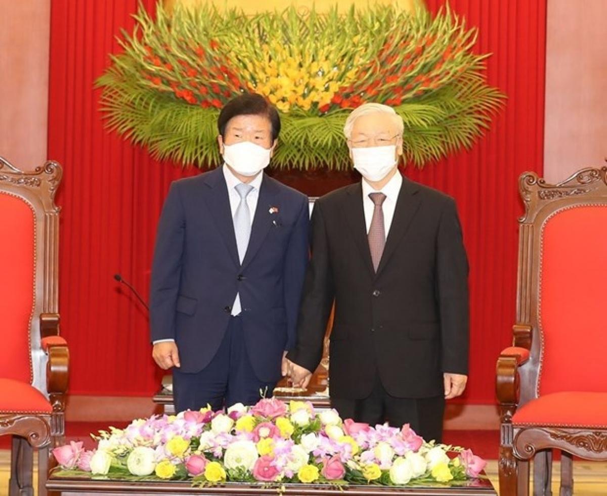 Chủ tịch Quốc hội Hàn Quốc Park Byeong-Seug đã chào xã giao Tổng Bí thư, Chủ tịch nước Nguyễn Phú Trọng.