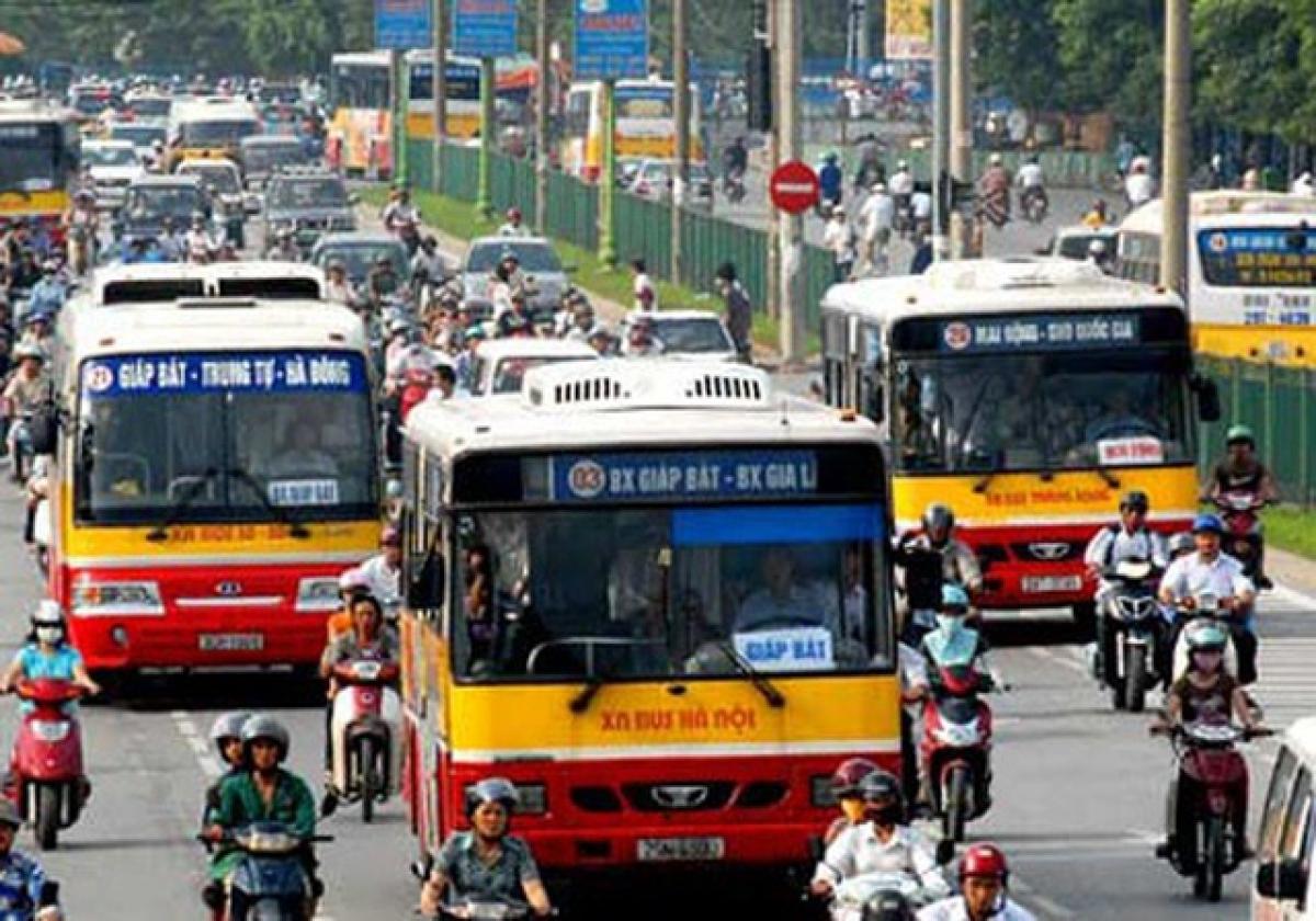 Sau khi tuyến đường sắt đô thị 2A (Cát Linh - Hà Đông) đi vào hoạt động, TP Hà Nội sẽ điều chỉnh nhiều tuyến xe buýt để tăng tính kết nối và liên thông.