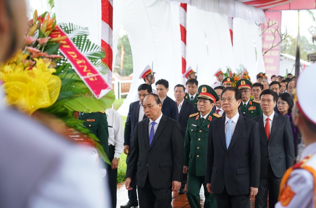 Nhà văn hoá có diện tích khoảng 4.000m2, gồm nhiều hạng mục như: Nhà lưu niệm, thư viện, sân vườn với hệ thống cây xanh và đèn chiếu sáng. Bên trong khuôn viên Nhà văn hóa có biểu tượng cột mốc chủ quyền của Việt Nam được dựng lại theo mẫu cột mốc tại Trường Sa năm 1988.