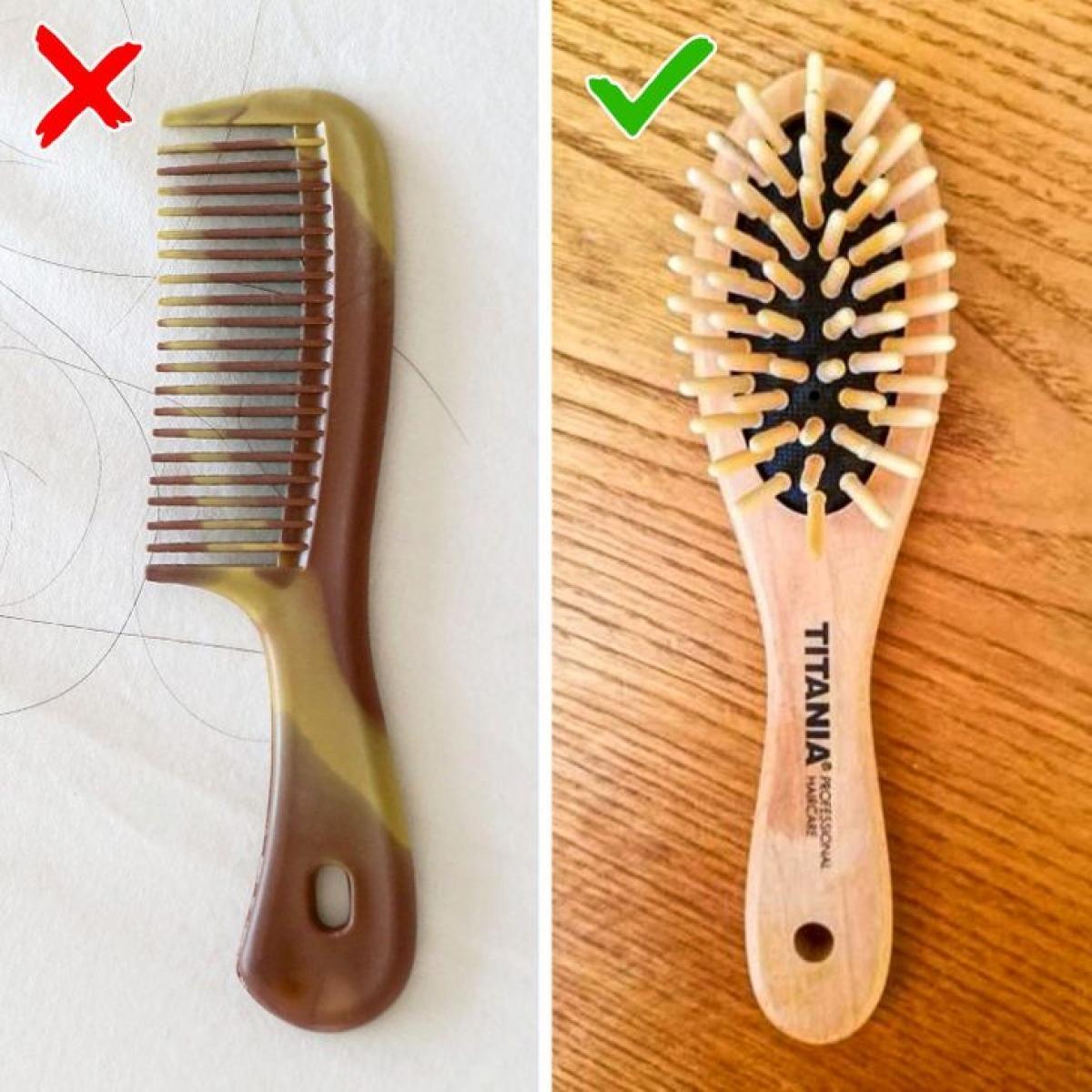 Lược kiểu cũ: Những chiếc lược kiểu này sẽ làm hại tóc bại, giúp tóc và da đầu bạn dễ tổn thương. Hãy sử dụng lược gỗ với đầu lược mềm mại có tác dụng masage da đầu.