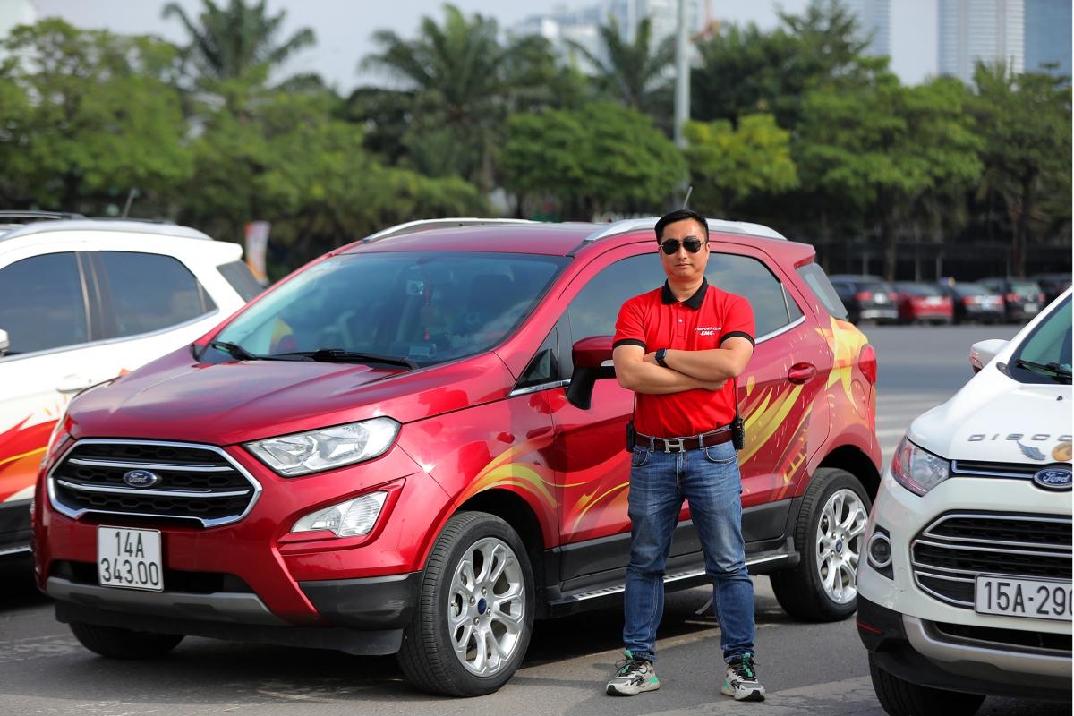 Anh Nguyễn Minh Hòa và chiếc Ford Ecosport đã đồng hành với nhau trên hành trình qua hơn 30 tỉnh thành.