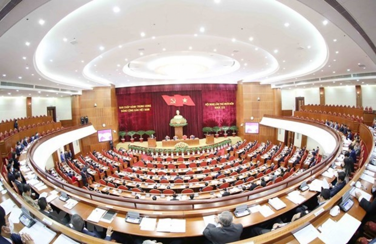 The Party Central Committee spent the second day of its 14th session debating several draft reports to be submitted to the upcoming 13th National Party Congress. (Photo: VNA)