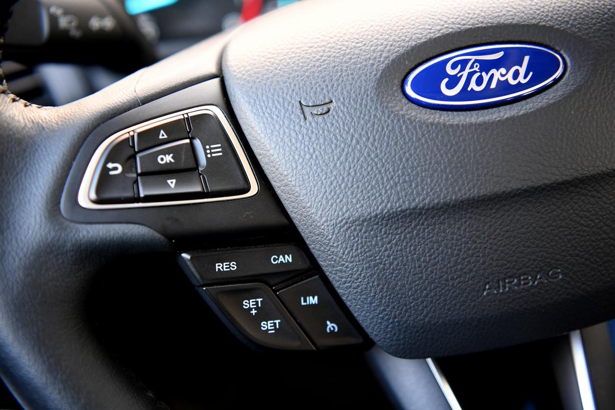 Ở phiên bản 2020, Ford EcoSport đã được nâng cấp rất nhiều và nổi bật là hệ thốngCruise Control (Hệ thống điều khiển hành trình).