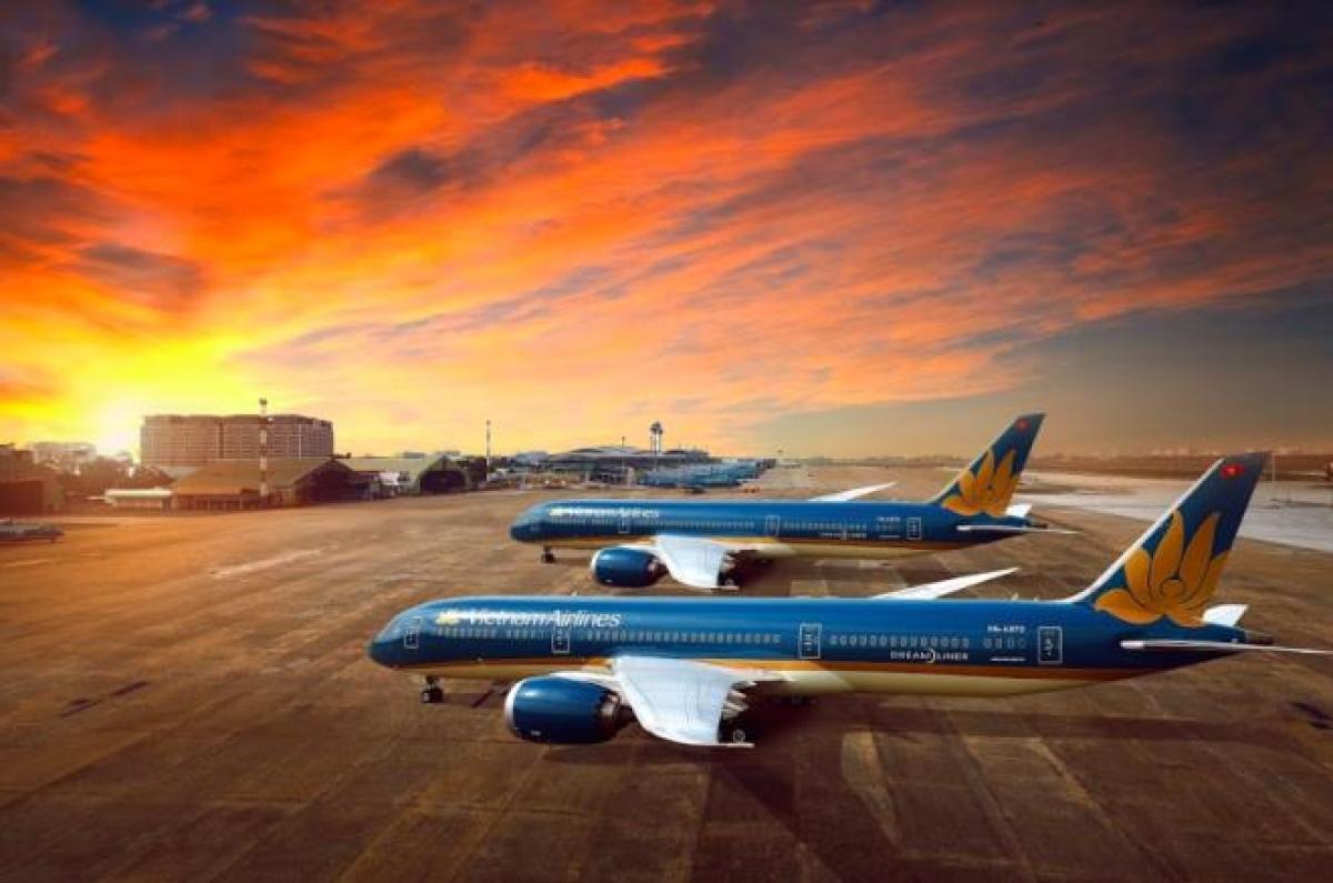 Tác động của dịch Covid-19 đến Vietnam Airlines là vô cùng lớn. 9 tháng năm 2020 doanh thu của Vietnam Airlines giảm hơn một nửa so với cùng kỳ 2019, thâm hụt dòng tiền hơn 7.358 tỷ đồng.