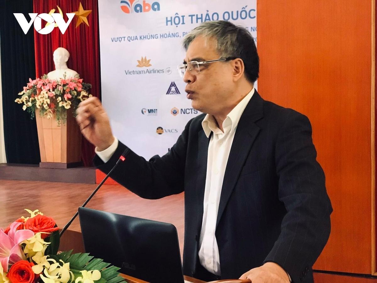 TS Trần Đình Thiên, thành viên Tổ tư vấn kinh tế của Thủ tướng cho rằng, Chính phủ tài trợ hàng không cũng chính là tài trợ cho tương lai.