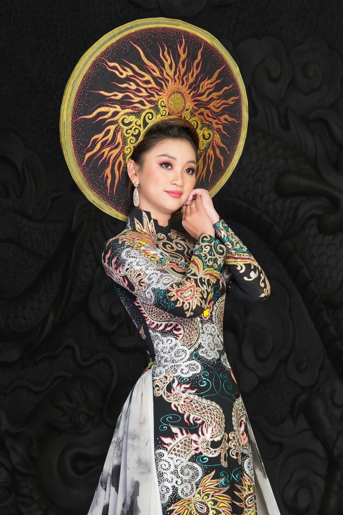 Doanh nhân Đỗ Thanh Yến Nhi (TP.HCM) đã được xướng tên nhận danh hiệu Hoa khôi Doanh nhân Việt Nam – Gương mặt ảnh bìa 2020.