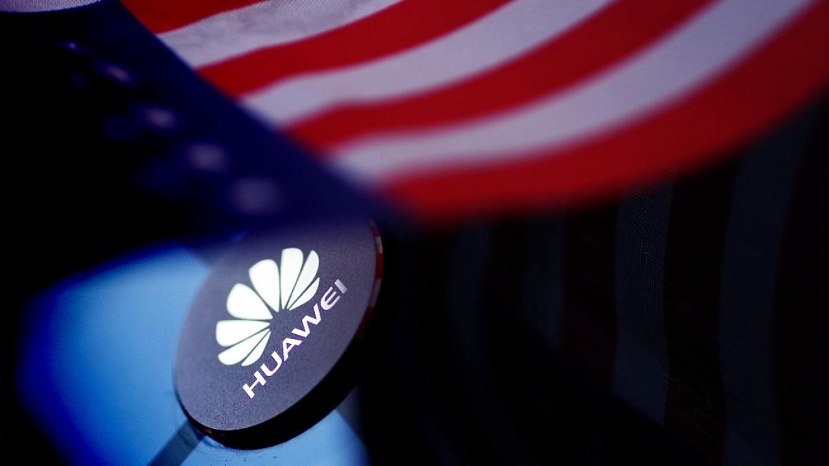 Huawei trở thành nạn nhân trong cuộc chiến công nghệ giữa Mỹ và Trung Quốc. Ảnh: CGTN.
