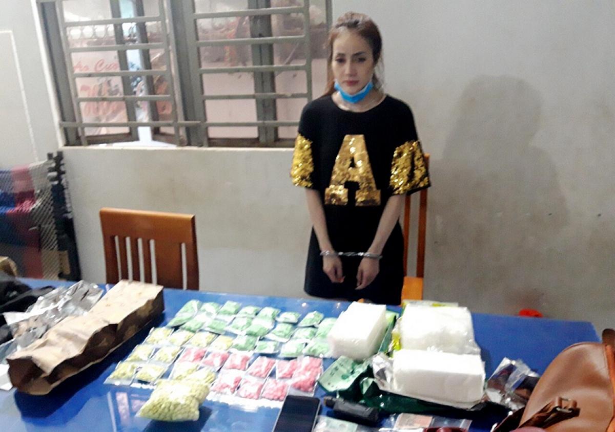 Đối tượng Đỗ Như Ý vận chuyển 3kg ma túy đá và 40 bọc nylon bên trong có chứa 2.980 ma túy, bị Công an tỉnh An Giang bắt giữ ngày 2/6.